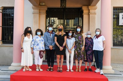 L'alcaldessa i el regidor de Promoció i Dinamització Cultural, amb les pregoneres d'enguany (foto: Ajuntament de Rubí - Localpres).