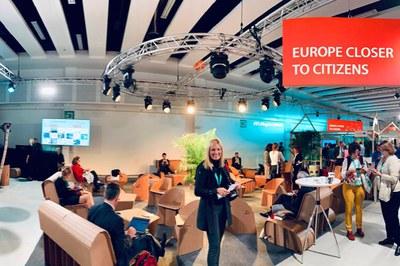 L'alcaldessa, a la seu de la trobada europea (foto: Ajuntament de Rubí).