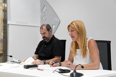 L'alcaldessa i el regidor d'Educació han presentat les activitats d'estiu als mitjans de comunicació    (foto: Ajuntament de Rubí – Localpres).