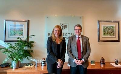 L'alcaldessa amb el president de REE  (foto: Ajuntament de Rubí).