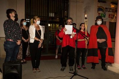 Moment de la lectura del manifest (foto: Ajuntament de Rubí – Localpres).