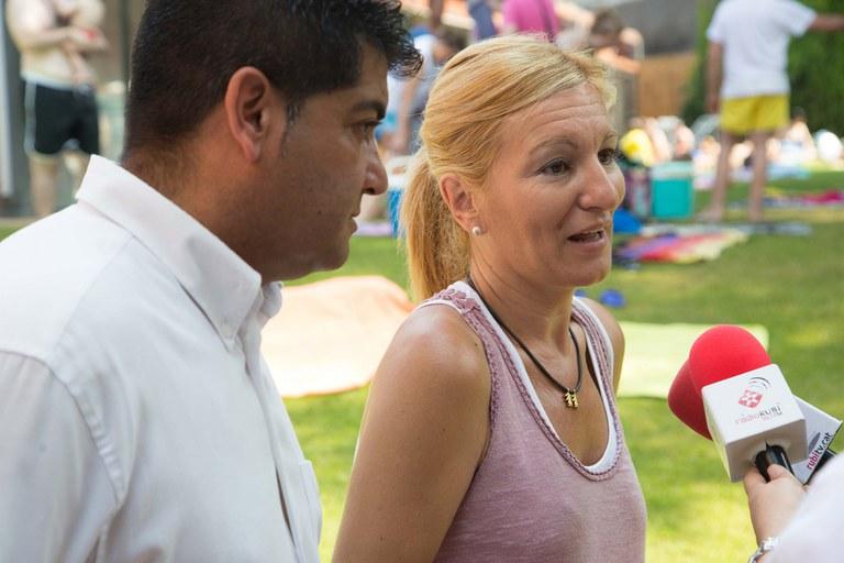 L'alcaldessa, Ana María Martínez, i el regidor d'Esports, Juan López, també van ser presents al 'Mulla't' (foto: Localpres)