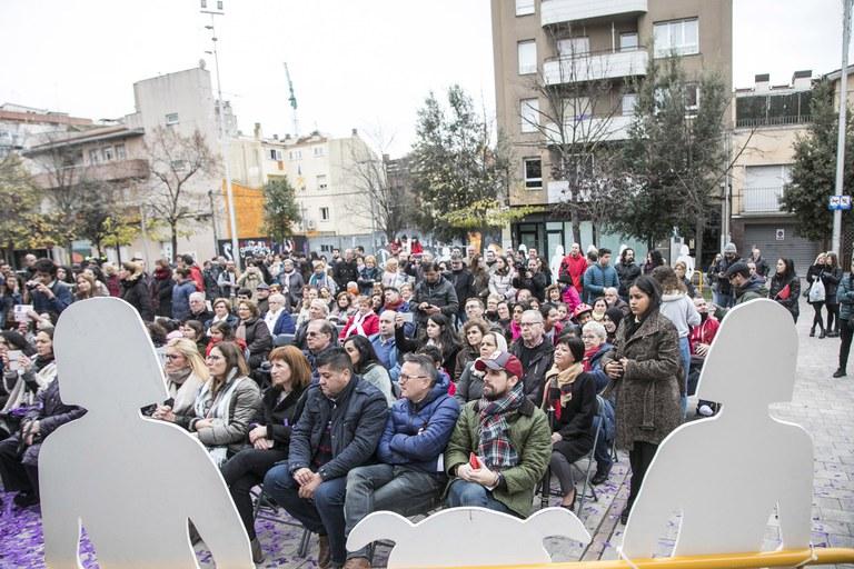 Aspecte de la plaça durant la lectura del manifest (foto: Ajuntament - Lali Puig)