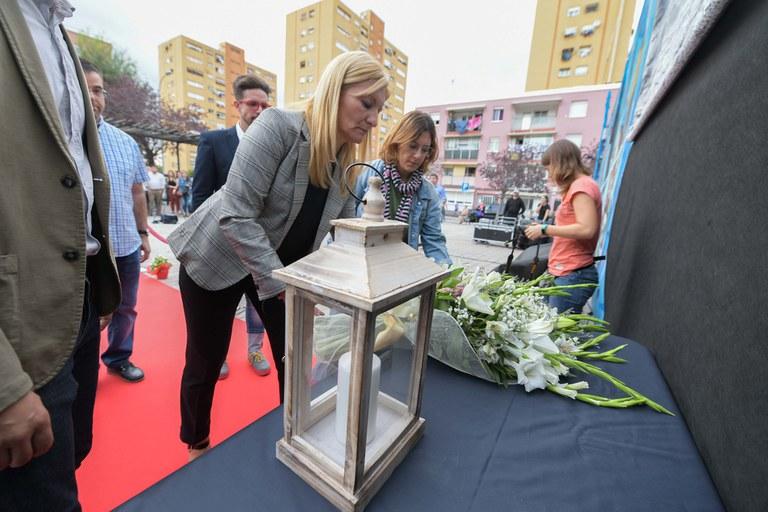 Els portaveus dels grups municipals han encetat l'ofrena floral (foto: Ajuntament - Localpres)