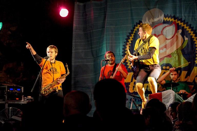La música ha anat a càrrec d'Embäukatonàbia (foto: Localpres)