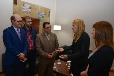 L'alcaldessa ha rebut la delegació de Tetuan al seu despatx (foto: Localpres).