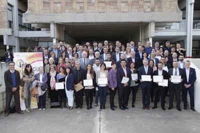 Imatge dels representants de les diferents administracions que han estat guardonades en aquesta edició (foto: Jordi Pareto-UAB).