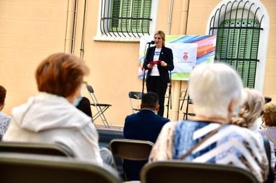 L'alcaldessa s'ha dirigit a la gent gran (foto: Ajuntament de Rubí – Localpres).