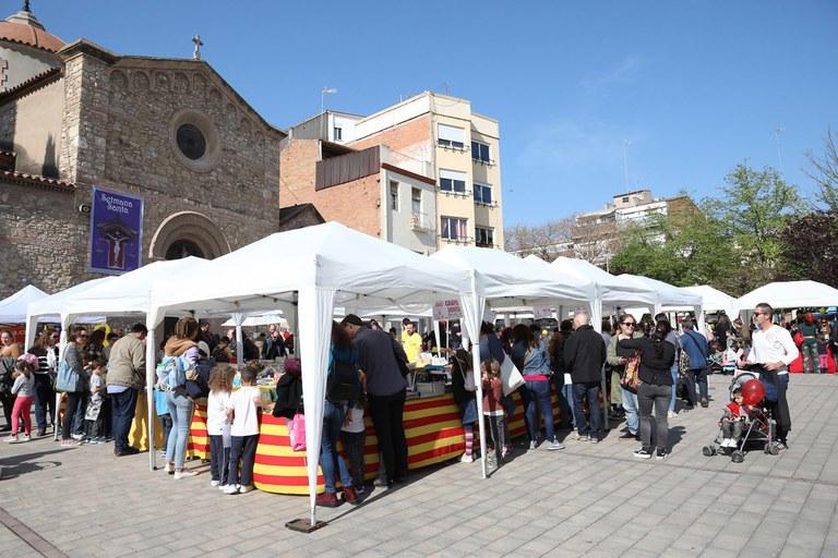 La pl. Doctor Guardiet, molt plena aquest dimarts a la tarda (foto: Ajuntament – Lali Puig)