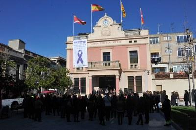 La lectura del manifest institucional és l'acte central del Dia internacional contra la violència de gènere (foto: Localpres).