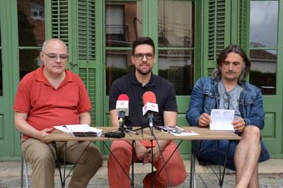 El regidor de Cultura, Moisés Rodríguez, acompanyat del director de La Sala, Àngel Miguel, i el programador del festival, Jordi Madaleno.