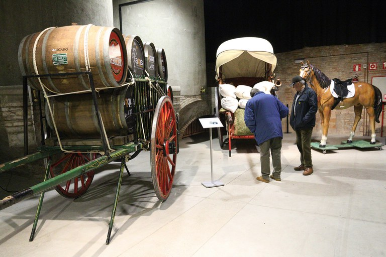 Fins al 9 de desembre es pot visitar a El Celler la mostra de carros dels Tres Tombs (foto: Ajuntament – Lali Puig)