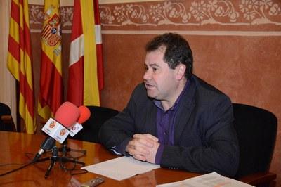 Manuel Velasco, explicant els motius pels quals s'ha traslladat aquesta qüestió a Europa (foto: Localpres)