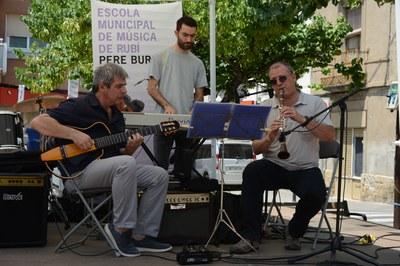 Els docents de l'escola de música també han pujat als escenaris (foto: Localpres).