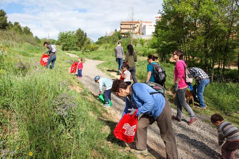 Els Caçadors de Trastets han organitzat una nova jornada de neteja de l'entorn natural (foto: Localpres)