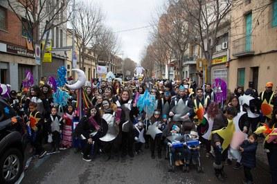 La rua infantil de diumenge va comptar amb la participació d'un total de 9 comparses i 9 grups d'animació (foto: Localpres).