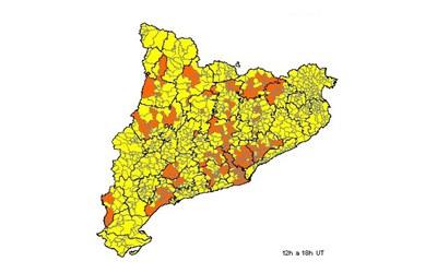 Previsió per divendres. El color groc indica un risc  baix, mentre que el carbassa representa un risc moderat (foto: CECAT).
