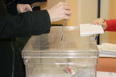 En aquestes eleccions municipals, a la ciutat hi haurà un total de 27 col·legis electorals .