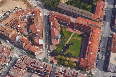 Detall del tram del carrer del Riu Llobregat que canvia de sentit (Foto: Google).