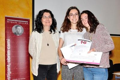 Dàlia Sánchez i Aina Buxaus, de l'Institut Duc de Montblanc, han estat reconegudes com a segones finalistes (foto: Localpres)