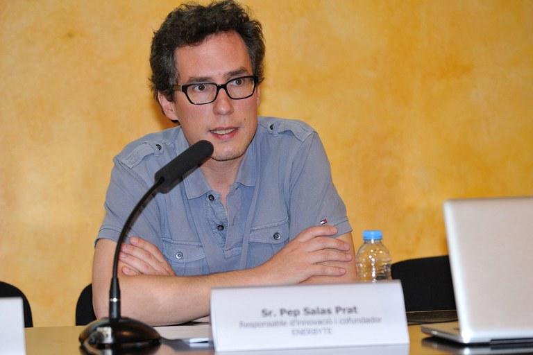 El responsable d'Innovació i cofundador d'Enerbyte, Pep Salas, ha pronunciat la conferència 'Reptes actuals del model energètic en transició' (foto: Localpres)