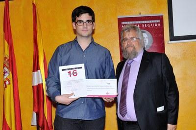 El tercer finalista del Premi Miquel Segura ha estat Cristian Domínguez, de l'Institut L'Estatut (foto: Localpres)