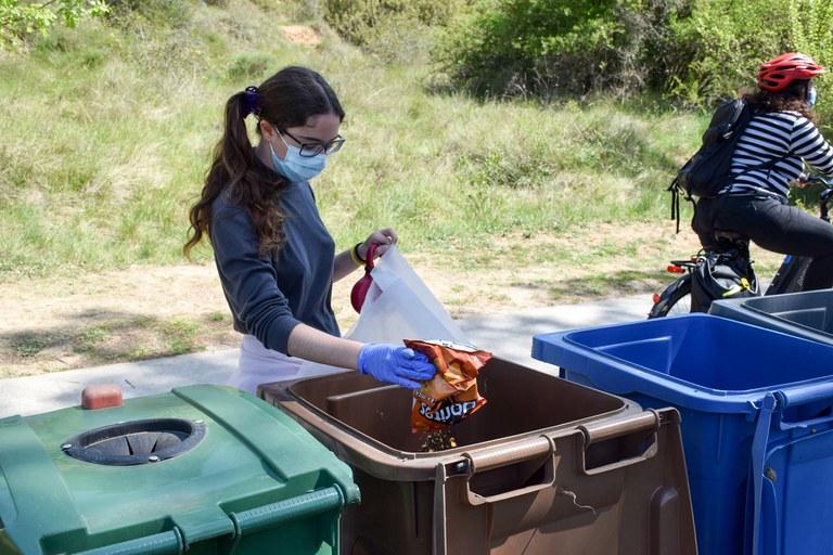 S'han habilitat contenidors per poder separar els residus (foto: Ajuntament de Rubí – Localpres)