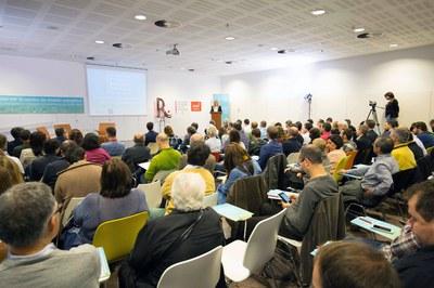 L'alcaldessa ha inaugurat el congrés en un auditori ple (foto: Localpres).