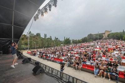 El festival va arrencar amb l'actuació de Miki Núñez (foto: Ajuntament de Rubí – Localpres).