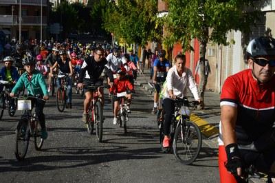 La Bicicletada ha recorregut alguns dels carrers més cèntrics de la ciutat (foto: Localpres).
