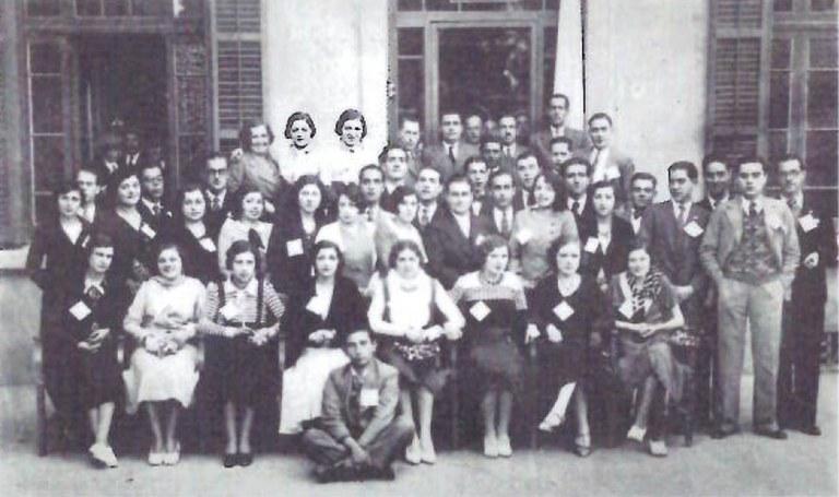 Joves de la Cambra que van fer donacions a hospitals barcelonins el 1932 (Batalla)