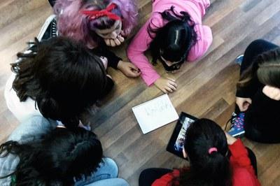 El Espai Jove Torre Bassas es el punto de encuentro de jóvenes con diversas aficiones, como el Kpop.