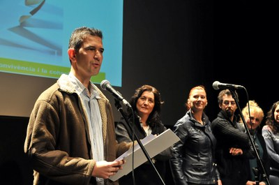 El presidente del AMPA del CEE de Ca n'Oriol, Lluís Cabré, recogiendo el premio el año pasado (foto: Localpres).
