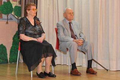 Palmira Gallart y Pere Padrós han sido homenajeados hoy en el Casal de la Gent Gran de Rubí (foto: Localpres).