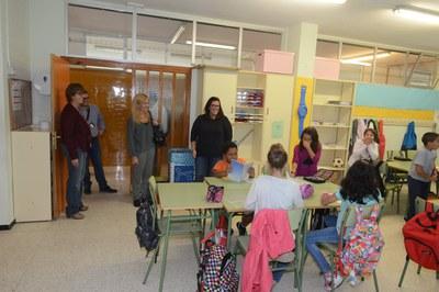 Varios centros educativos también han recibido la visita de la alcaldesa (foto: Localpres)