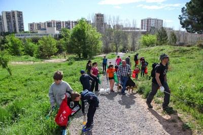 Como cada año, en esta ocasión también se ha organizado una jornada de limpieza del entorno natural (foto: Localpres).