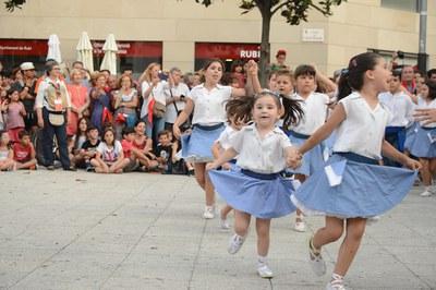 La Escola de Sardanes Flor de Neu, organizadora del cortejo (foto: Localpres)