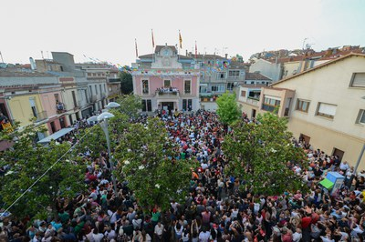 La plaza llena (foto: Localpres)