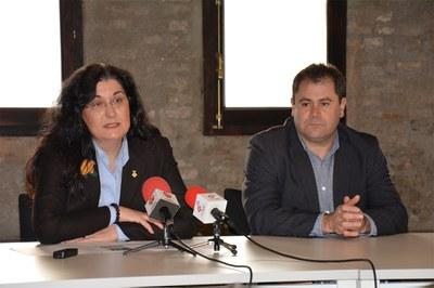 La alcaldesa y el primer teniente de alcalde Manuel Velasco.