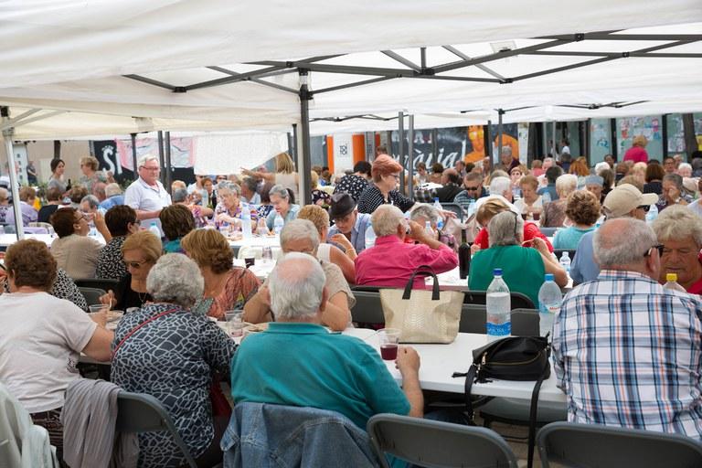 La paella popular ha sido una de las actividades más participativas (foto: Localpres)