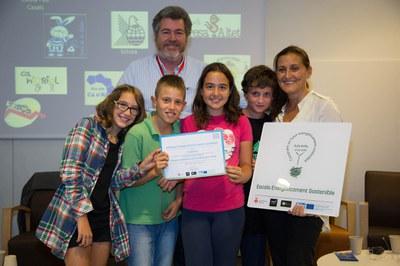 Entrega de reconocimientos a las escuelas (foto: Localpres)
