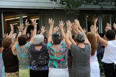"""Las mujeres mayores de 60 años son las protagonistas de estos """"casals"""" (foto: Lidia Larrosa)."""