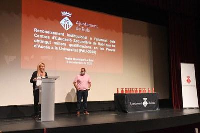 La alcaldesa ha abierto el acto con un parlamento (foto: Ayuntamiento de Rubí - Localpres).