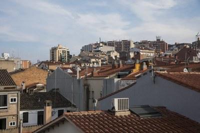 Una de las nuevas ordenanzas hace referencia a la regulación del recargo del IBI sobre viviendas desocupadas con carácter permanente (foto: Ayuntamiento de Rubí).
