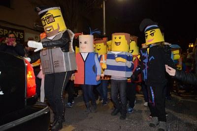 """La comparsa """"Lego"""" del AMPA de la Escuela Montserrat se hizo con el primer premio en 2018 (foto: Ayuntamiento de Rubí - Localpres)."""
