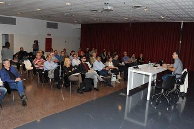 El Ayuntamiento ha organizado esta charla informativa con la voluntad de que la ciudadanía conozca el contenido del documento (foto: Localpres).
