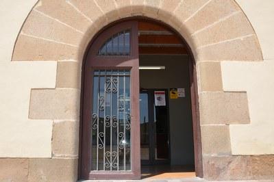 Entre los equipamientos municipales que se han dotado de WIFI gratuita está la Masía de Can Serra .