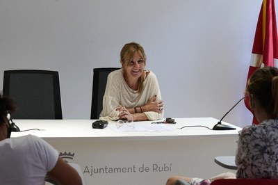 La alcaldesa, durante la presentación de los proyectos que optan a los fondos Next Generation (foto: Ayuntamiento de Rubí - Localpres).