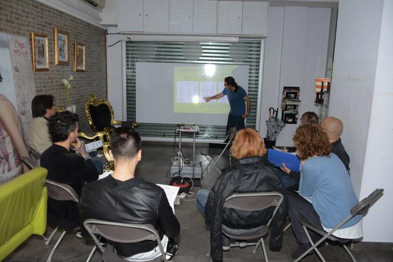 Este lunes se ha llevado a cabo el taller dirigido al sector de las peluquerías (foto: Localpres)