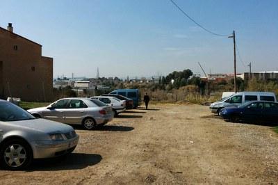 Uno de los espacios que se reordenarán será el aparcamiento público de Can Fatjó, ubicado delante de la Espona.